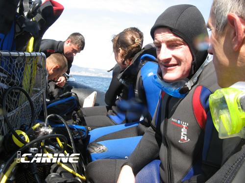 Le sourire du plongeur heureux